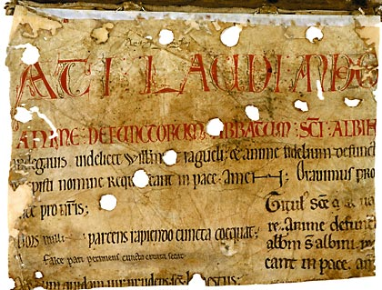 Angers, Bibl. mun., ms. 168, f. A. Fragment d'un rouleau des morts (feuillet de garde), Abbaye Saint-Aubin d'Angers, XIIe s.